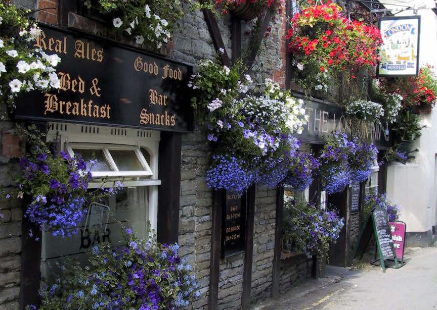 UK England English country pub in Cornwall